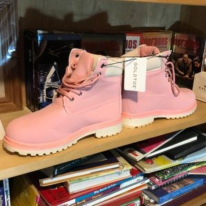 GOLD TOE-woman's pink nubuck boots